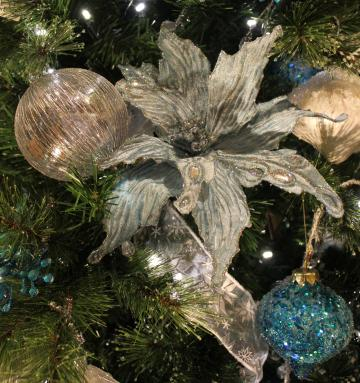 Unique and beautiful Christmas decorations for your holiday party or gala.